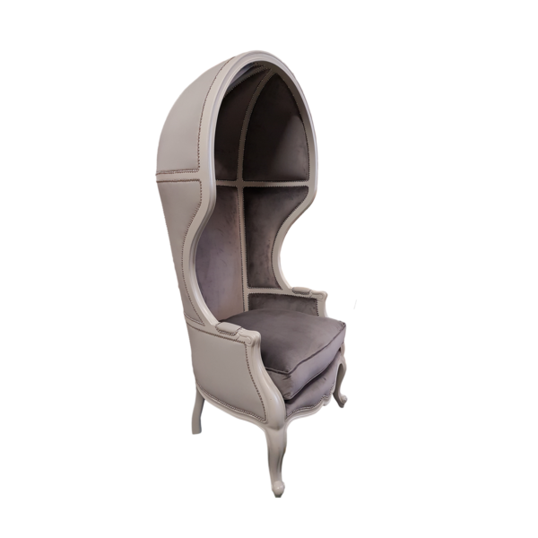 Hooded Porters Chair